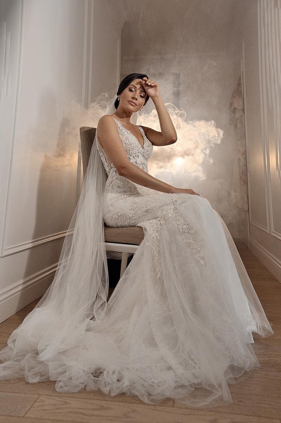 Красивое платье невесты, профессиональная свадебная фотосессия в Киеве и Одессе - услуги фотографа на свадьбу, съемка свадьбы (недорого, стоимость и цена на сайте) фотограф Соя Юрий
