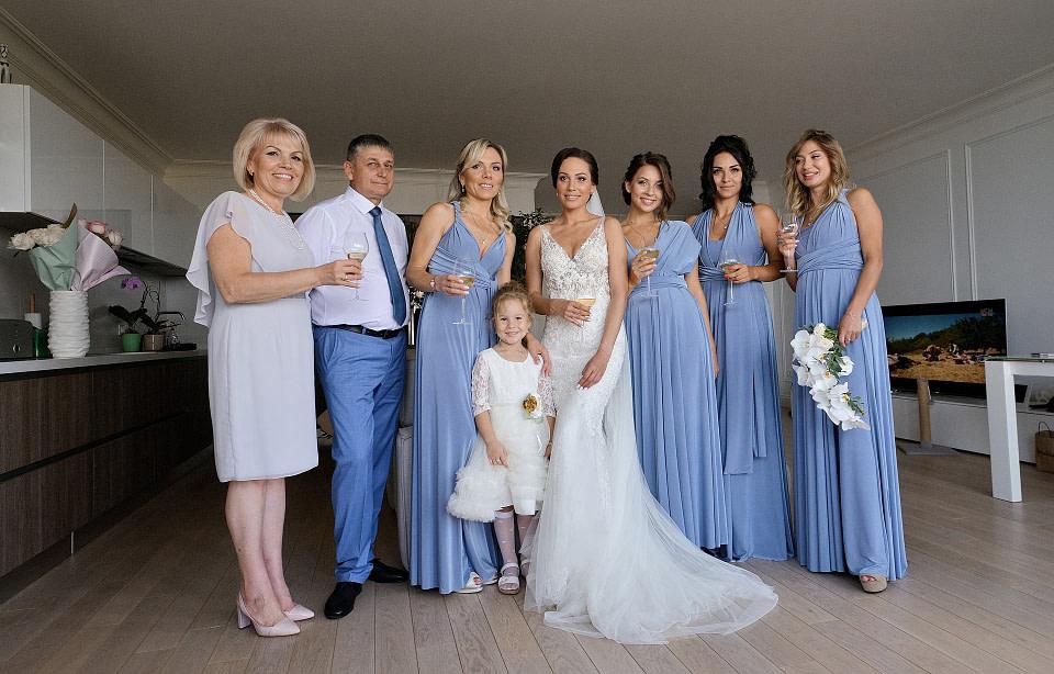 Веселые подружки на сборах невесты , профессиональная свадебная фотосессия в Киеве и Одессе - услуги фотографа на свадьбу, съемка свадьбы (недорого, стоимость и цена на сайте) фотограф Соя Юрий