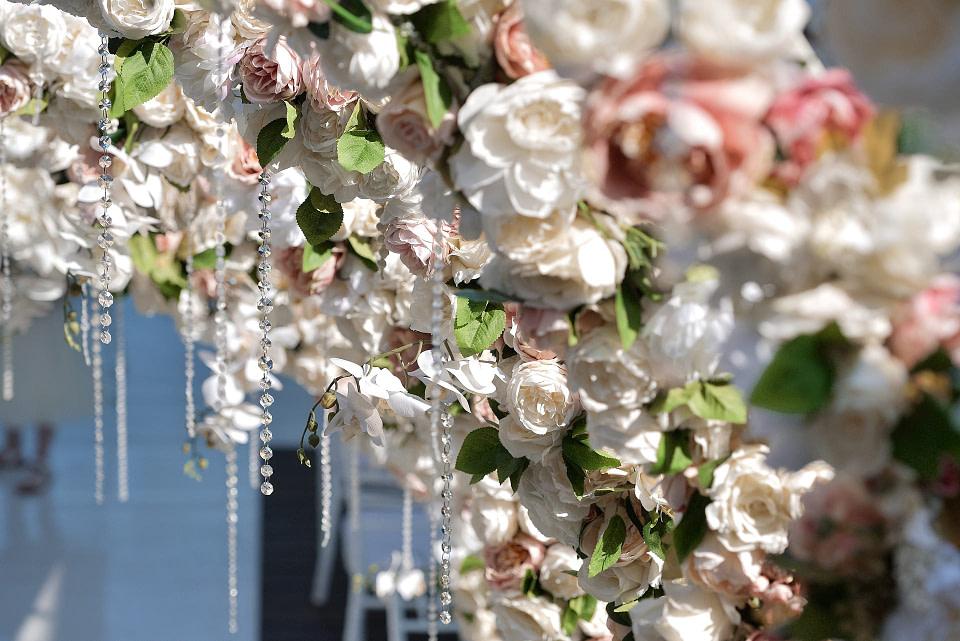 Декор на свадебную церемонию днем, профессиональная свадебная фотосессия в Киеве и Одессе - услуги фотографа на свадьбу, съемка свадьбы (недорого, стоимость и цена на сайте) фотограф Соя Юрий