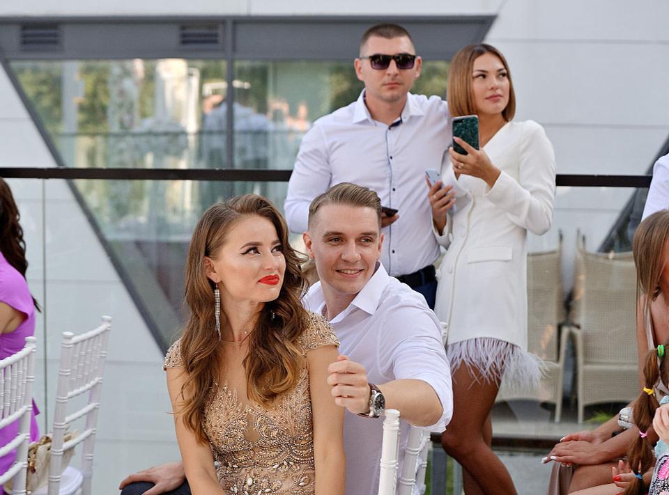 гости во время свадебной церемонии, профессиональная свадебная фотосессия в Киеве и Одессе - услуги фотографа на свадьбу, съемка свадьбы (недорого, стоимость и цена на сайте) фотограф Соя Юрий